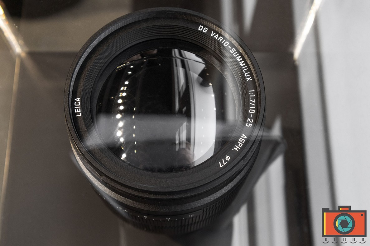 detail of the front lens of the Panasonic Leica DG Vario-Summilux 10-25mm f/1.7